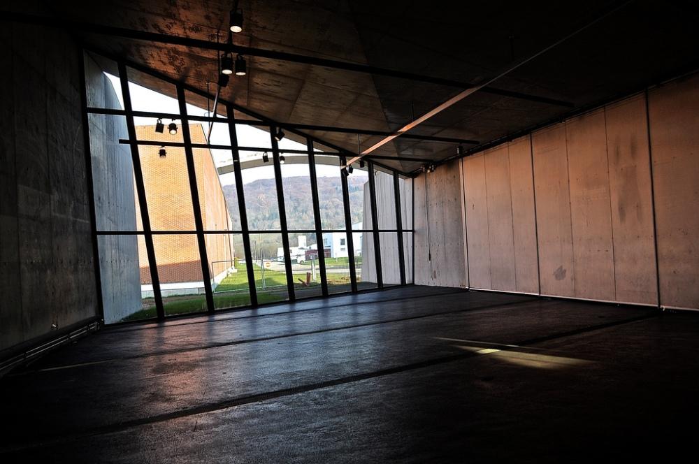 Zaha Hadid Fire Station - Vitra - Garage