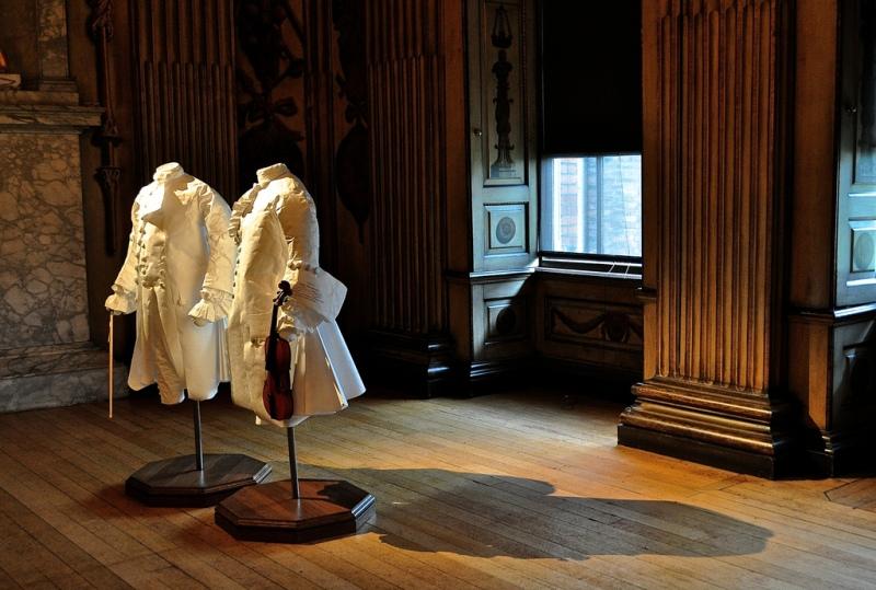 Paper mannequins - Kensington Palace
