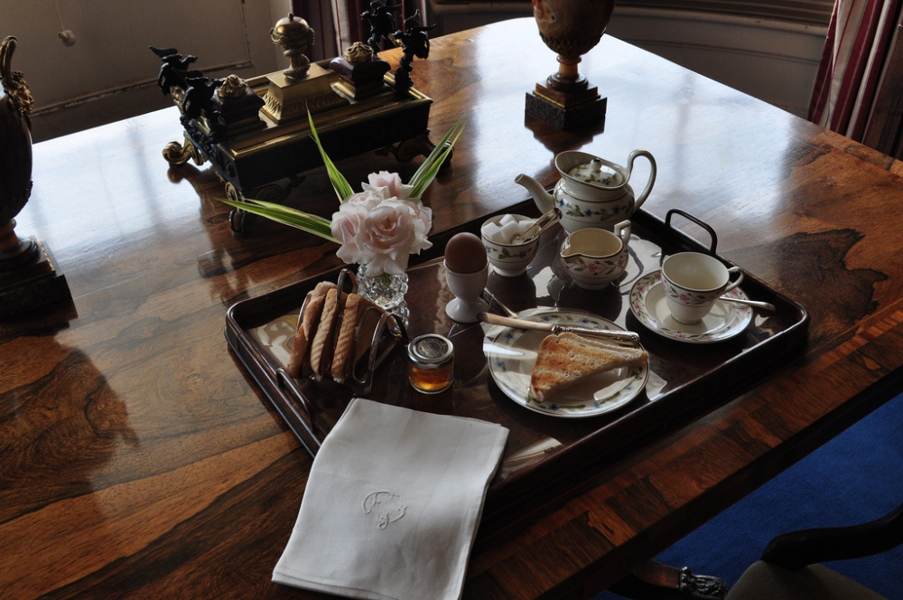 Hinton Ampner - breakfast is served