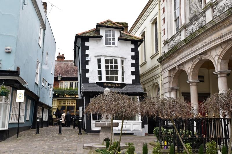 Market Cross House Windsor by Sue Lowry