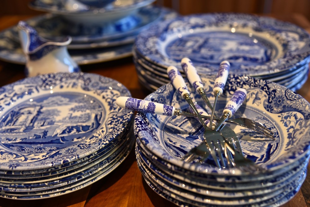Spode Blue Italian by Sue Lowry