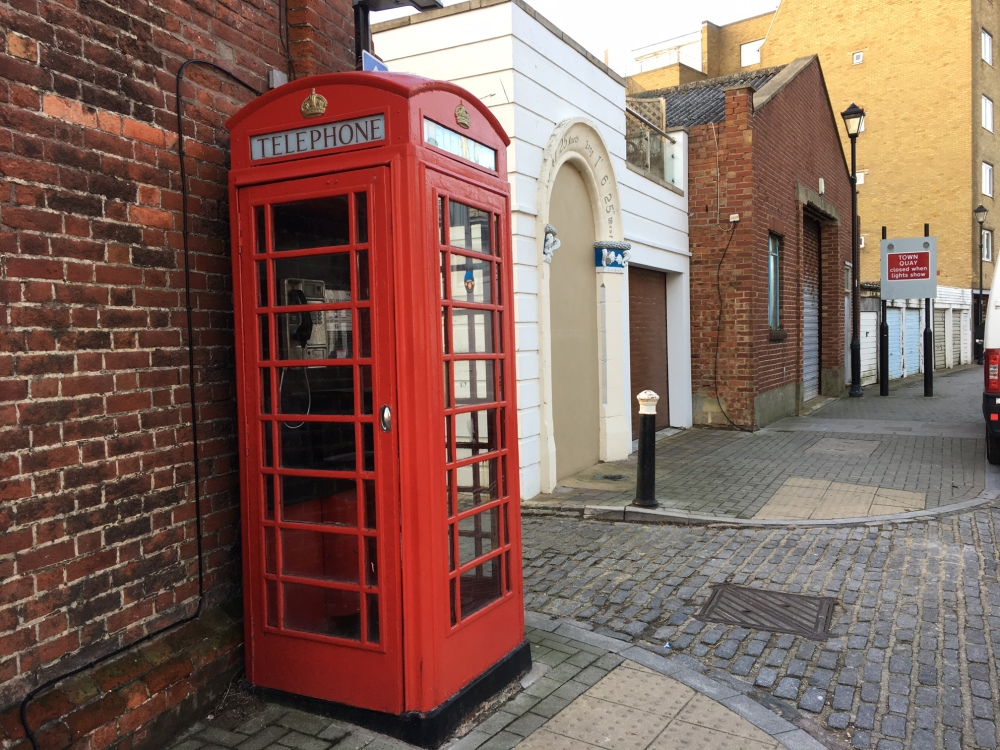 K6 Telephone Kiosk by Sue Lowry