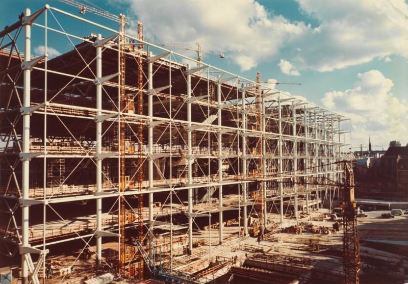 facade-piazza-medium - Pompidou Centre